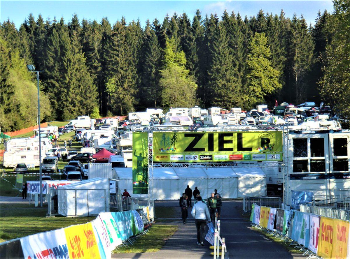 Die Campingwiese hinter dem Ziel am Sportplatz